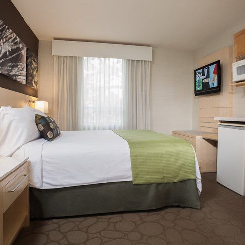 Delta Whistler Village Suites, ski accommodation in Canada - double room
