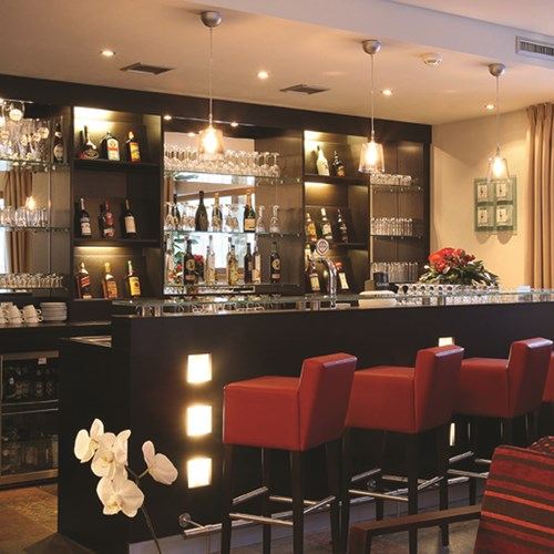 Hotel Banyan, ski accommodation in St Anton, Austria. Hotel bar