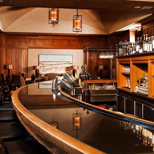 Fairmont-Chateau-Whistler-Mallard-Lounge.jpg
