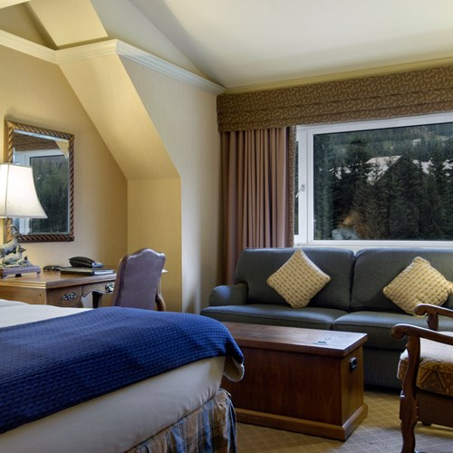 Fairmont-Chateau-Whistler-Deluxe-room.jpg