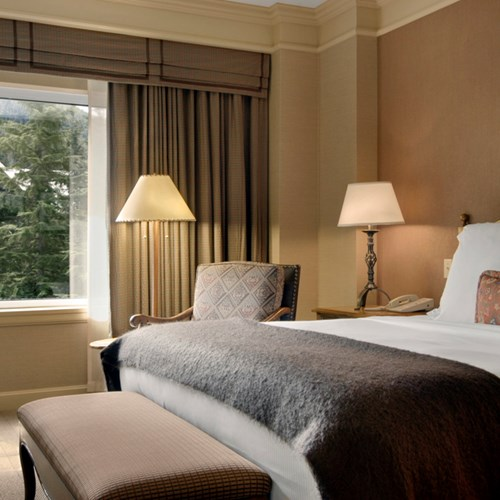 Fairmont-Chateau-Whistler-Gold-Exec-suite.jpg