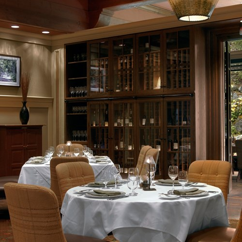 Fairmont-Chateau-Whistler-Grill-dining.jpg