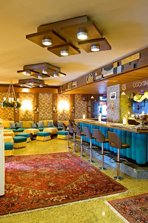 Sporthotel, ski accommodation in St Anton, Austria. Bar and lounge area