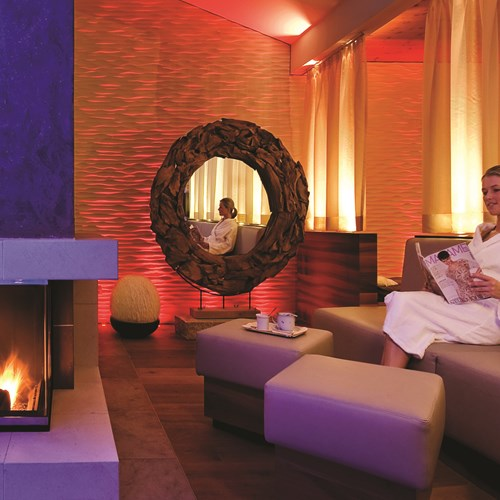 Hotel Tirolerhof, ski accomodation, Zell am See - fire in spa lounge