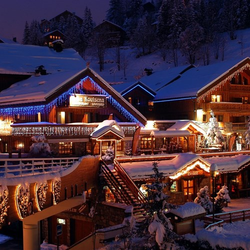 Hotel Eterlou Meribel-hotel exterior in the snow