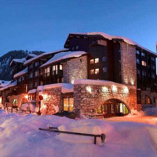 Hotel L'Aigle des Neiges-Val d'Isere-snowy exterior