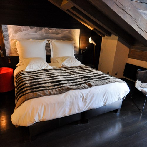 Classic-room-at-the-Hotel-Avenue-Lodge-Val-d-Isere