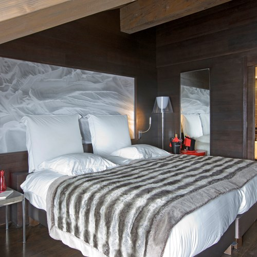 Superior-room-at-Hotel-Avenue-Lodge-Val-d-Isere