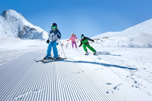 Zell-am-See-kids-skiing-better-than-us