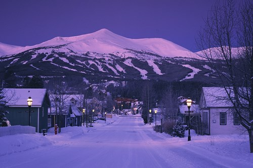 breckenridge-usa-by-night.jpg