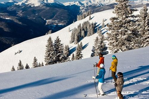 Vail-USA-skiers.jpg