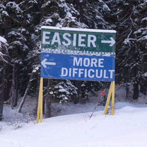 Canada-ski-signs-dummies.png