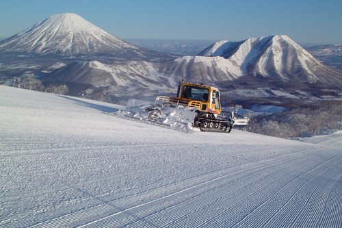 Mt Yotei from Rusutsu, ski in Japan