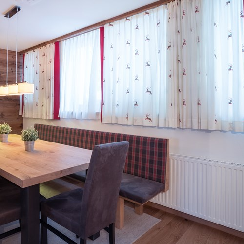 Little Haus kitchen. Ski accommodation in St Anton, Austria