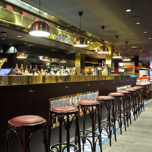 Rocky Pop Hotel bar area - ski resorts in France
