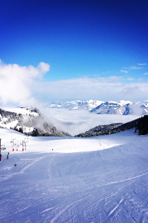 Morzine-Sam-blue-skies.JPG
