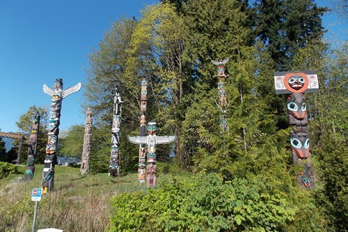 Vancouver-Canada-stanley-park-totems