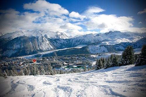 Courchevel-view-new-generation-ski-school