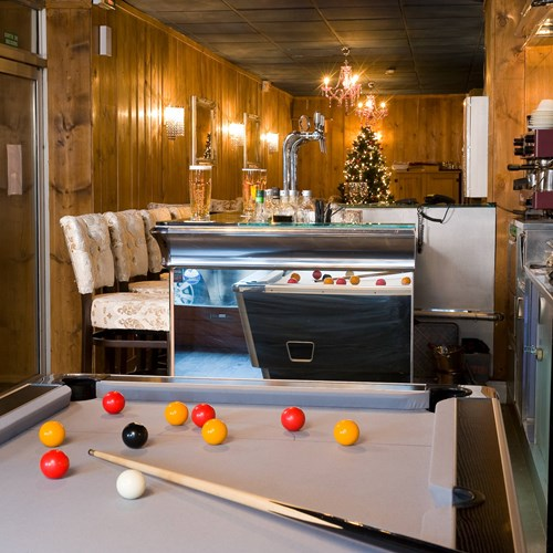 courchevel-olympic-courchevel-1850-pool-table.jpg