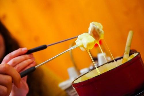 Fondue-Morzine-Cheese