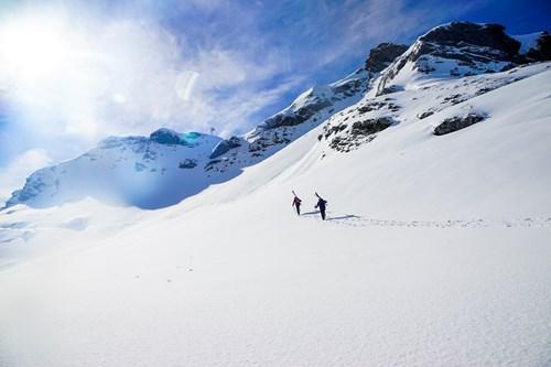 Hiking-fresh-snow