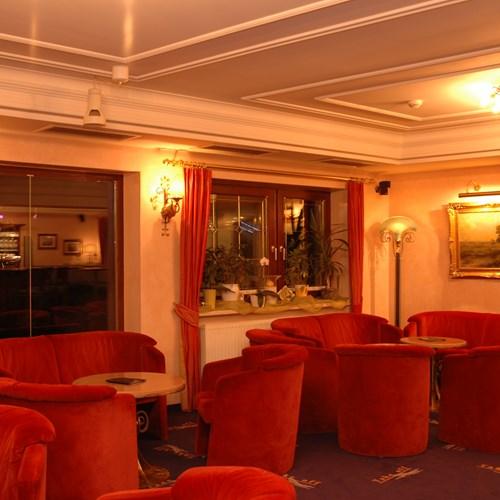 Hotel Maria Theresia, Ski Accommodation Austria. Lounge area