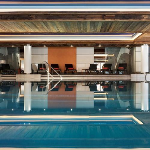 Chamonix-Le-Cristal-de-Jade-pool.jpg