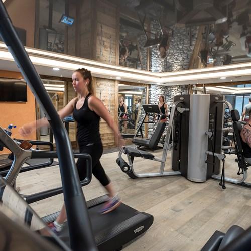 Chamonix-Le-Cristal-de-Jade-gym.jpg