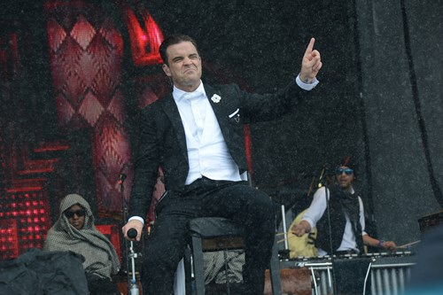 Top-of-the-mountain-concert-Robbie-Williams