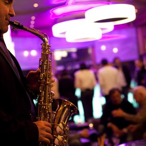 Chamonix-bar-saxophone