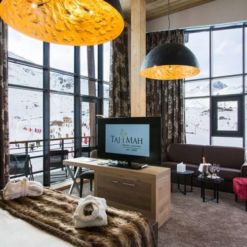 Hotel Taj-i Mah, ski hotel in Les Arcs, France - mezzanine suite