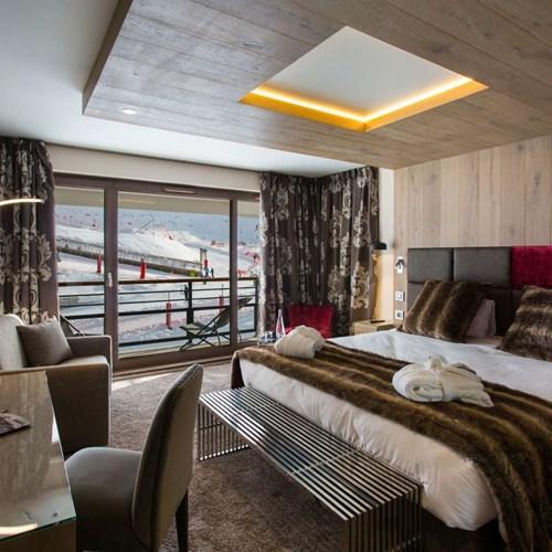 Hotel Taj-i Mah, ski hotel in Les Arcs, France - room 34, mountain view