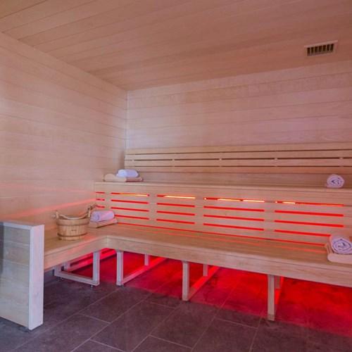 Hotel Taj-i Mah, ski hotel in Les Arcs, France - sauna
