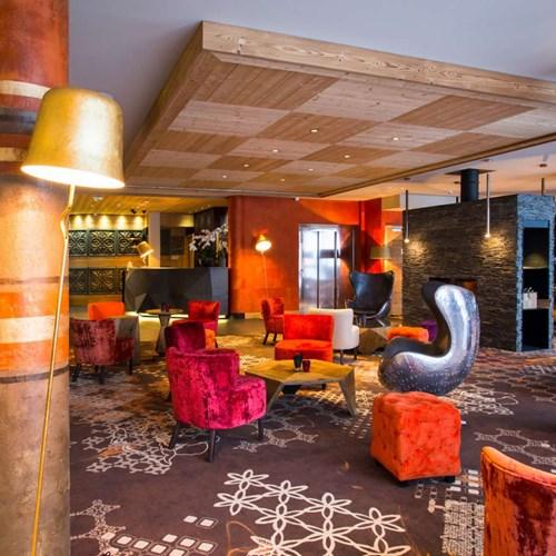 Hotel Taj-i Mah, ski in, ski out hotel in Les Arcs, France - lounge area