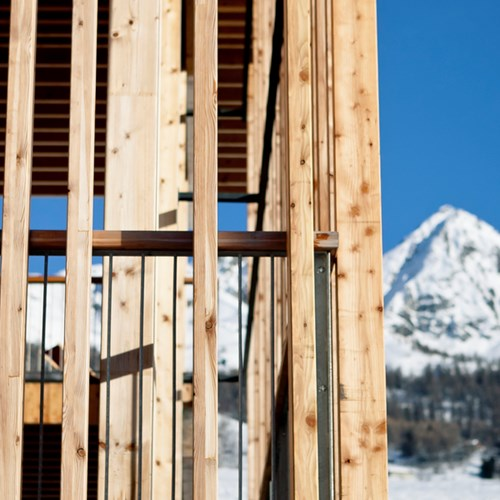 ski in, ski out hotel in Les Arcs, Aiguille Grive Hotel - wood detail
