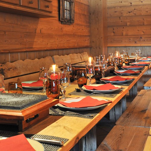 Courchevel-Mercure-hotel-restaurant.jpg