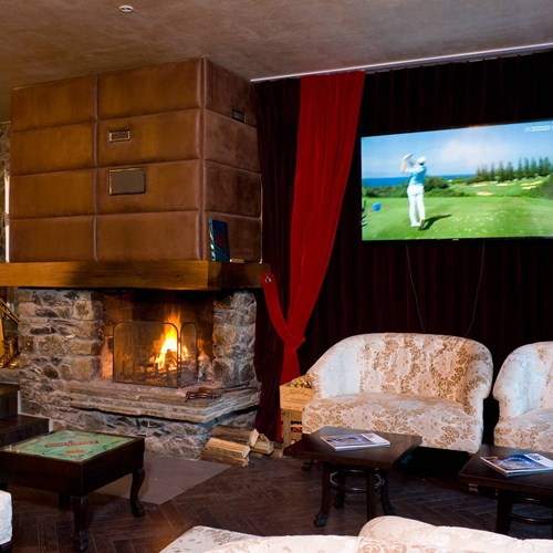 Hotel Meribel Mottaret, fireplace and lounge area