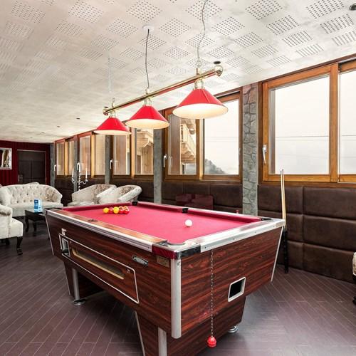 pool table at the Hotel Meribel Mottaret