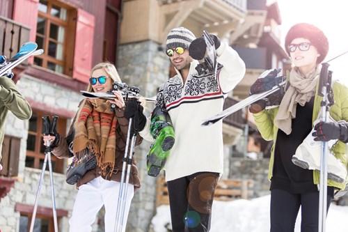 group-skiing