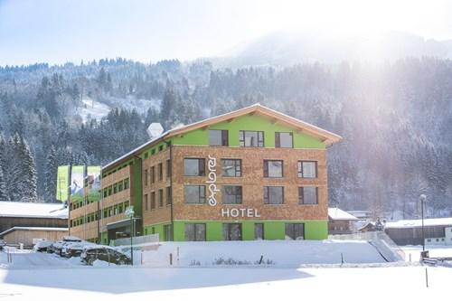 Explorer-Hotel-St-Johann-snow