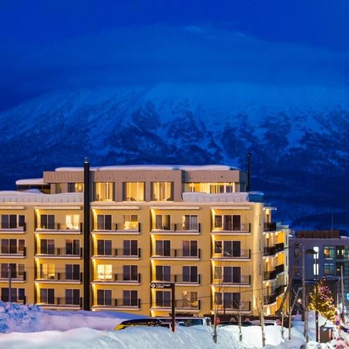 Ski Hotel Chalet Ivy-Niseko-Ski Japan-exterior at night