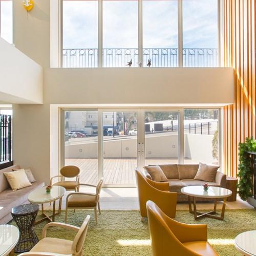 Ski Hotel Chalet Ivy-Niseko-Ski Japan-lobby area onto the decking