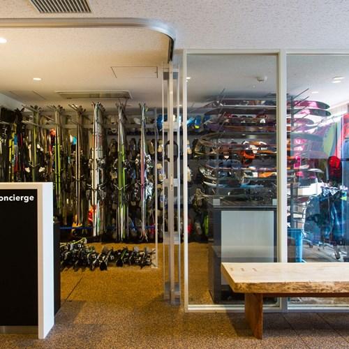 Ski Hotel Chalet Ivy-Niseko-Ski Japan-ski concierge service