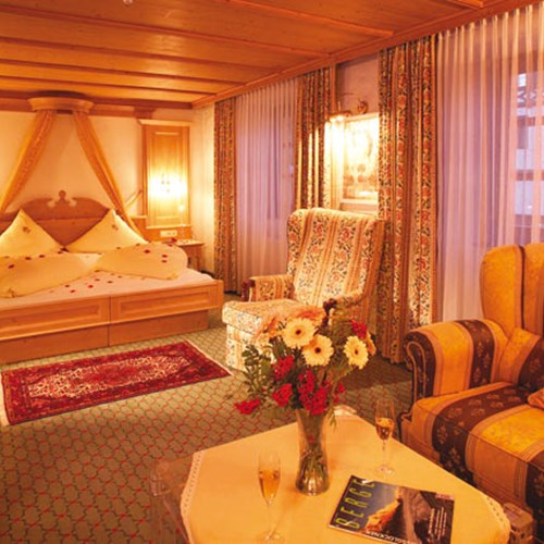 Hotel Alte Post, ski accommodation St Anton, Austria. Junior suite room