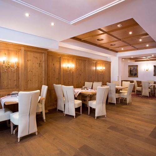 Hotel Alte Post, ski accommodation St Anton, Austria. Restaurant and dining