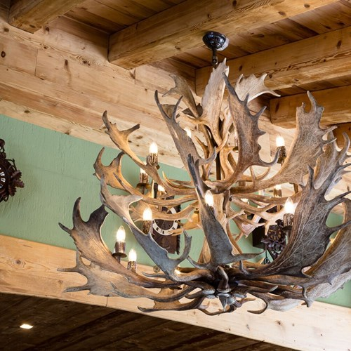 Hotel Gran Baita Courmayeur antler chandelier