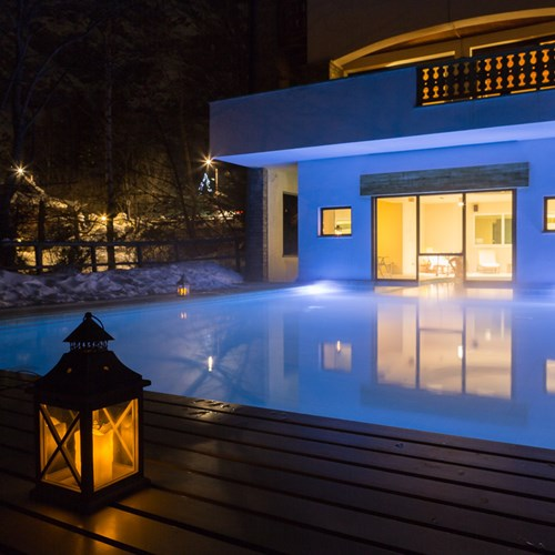 Hotel Gran Baita Courmayeur indoor to outdoor pool