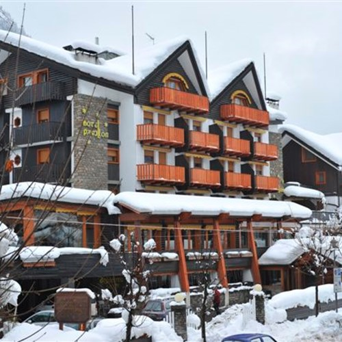 snowy exterior of the Hotel Pavillon Courmayeur