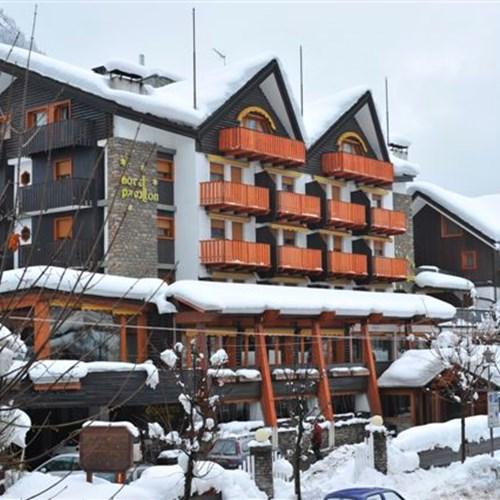 snowy exterior of the Hotel Pavillon Courmayeur