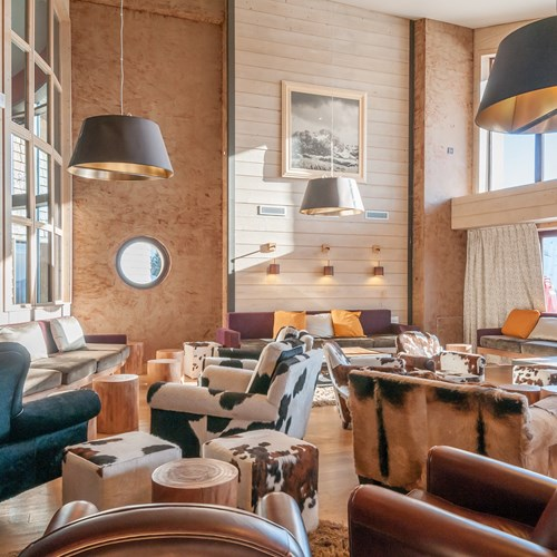 Residence-L'Amara-Avoriaz-France-lounge-area.jpg
